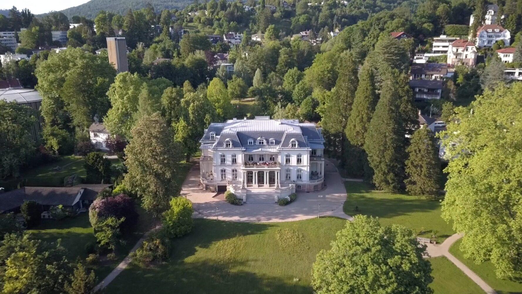 Palais Biron aus der Drohnen-Perspektive